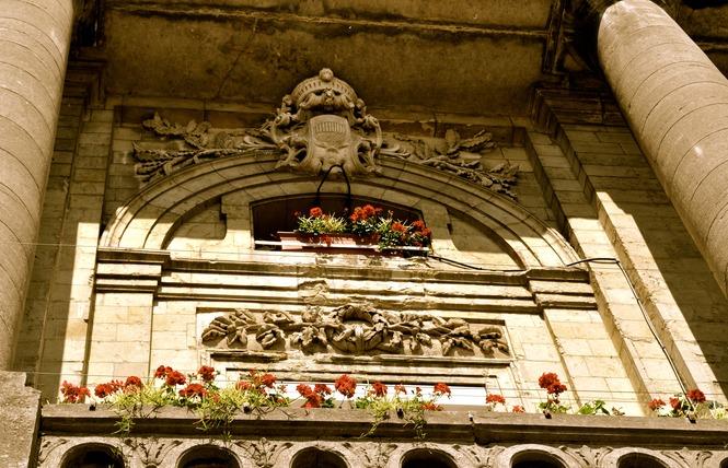 Hôtel de ville - CONDE SUR L'ESCAUT 5 - Condé-sur-l'Escaut
