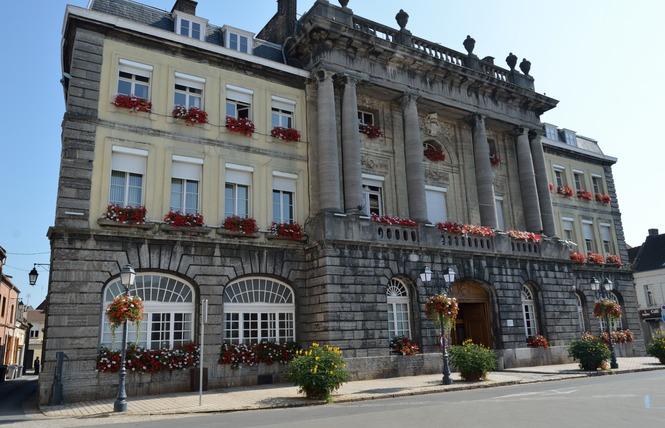 Hôtel de ville - CONDE SUR L'ESCAUT 1 - Condé-sur-l'Escaut