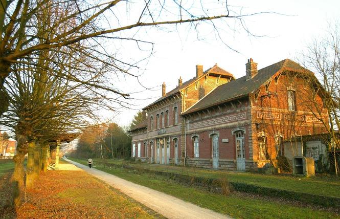 Gare de Fresnes et cavalier Somain-Peruwelz - FRESNES SUR ESCAUT 1 - Fresnes-sur-Escaut